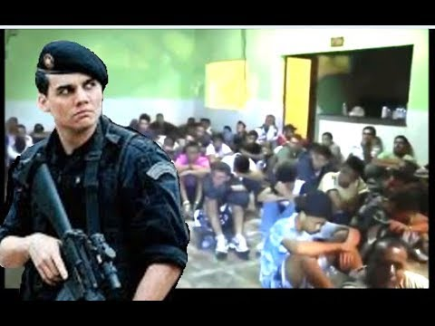 POLICIA INVADINDO BAILE FUNK E TOCANDO O TERROR NOS FUNKEIROS