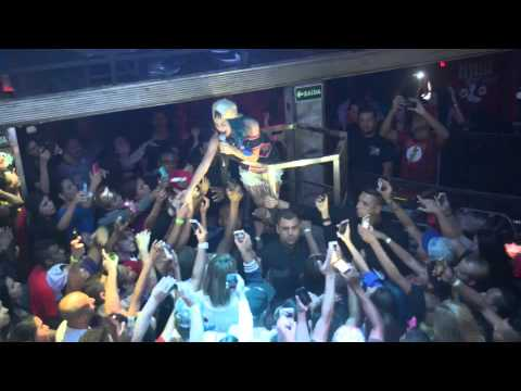 MC Tati Zaqui - Água na Boca na Open Bar Club - 17 07 15 - Dê um like quando assistir o vídeo