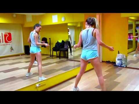 Masha Twerk booty dance