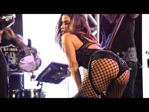 Anitta da sarrada ao vivo em MEDLEY FUNK no Baile da Favorita em Brasília FULL HD 14 06 2017