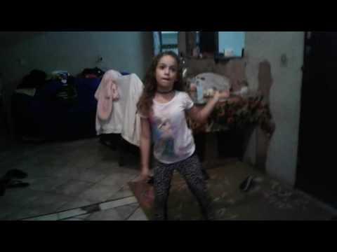 Yasmin a modelo ela é a mais bonita e a funkeira de funk profissional se você quiser entrar no YouTu