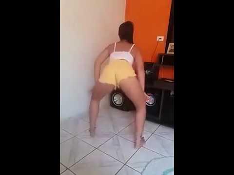 Monica Santos - Muito Gostosa Só De Shortinho Dançando Funk