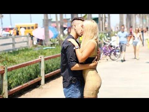Beijando Mulheres Super Gatas Bem Quentes Celebrity Edition - Best Kissing Prank 2016 HD