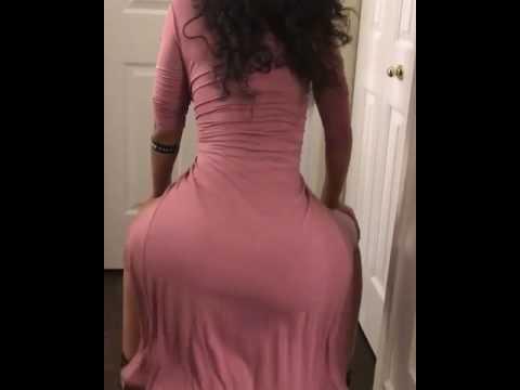 Arab Booty twerk in dress