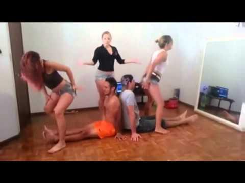 Gostosas Dançando Funk 1