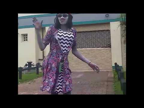 Durban City South Africa - Funny Street Actor Twerk Baikoko Booty Pop Dance Performance