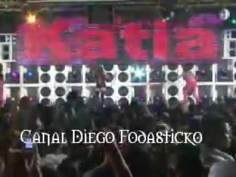 Mc Katia - De cabeça Pra baixo DVD Clima dos Bailes da Furacão 2000