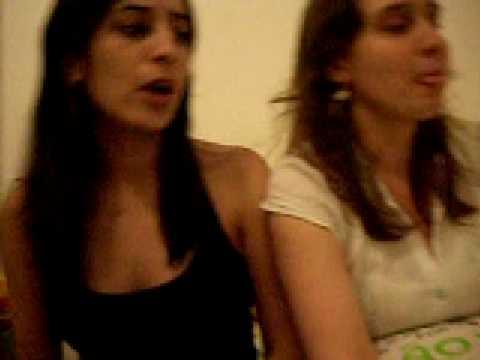 cynthia e buchechuda cantam música de funkeira