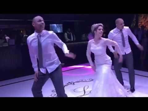 Novia baila Paradinha da Anitta Beyoncé Rihanna Ludmila e MC Kevinho