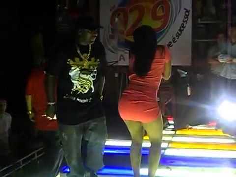 Mr Catra e Dançarina de Funk Gata Demais