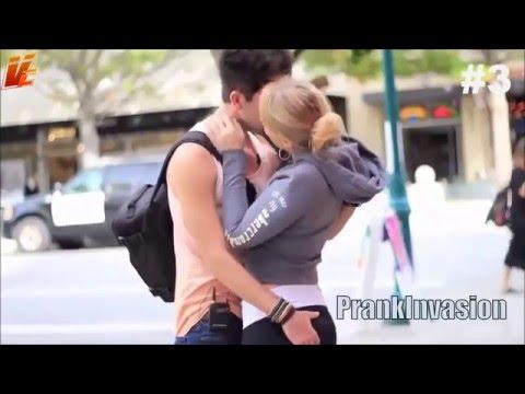 pegadinha beijando mulheres super gatas Diverssos Beijos De Lingua - Best Kissing