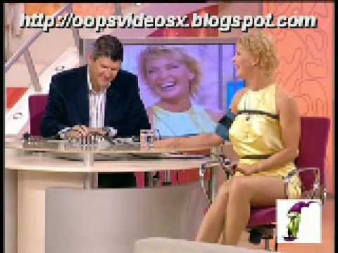 oopsvideosx - Gostosa sem calcinha 1