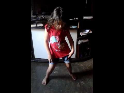 Menina de 4anos dançando funk ai bruna marquezine