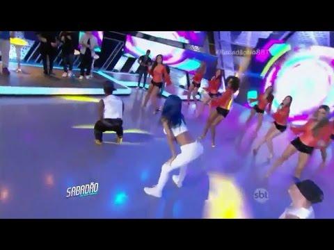 Sabadao com Celso Portiolli - Mc Tati Zaqui canta no palco