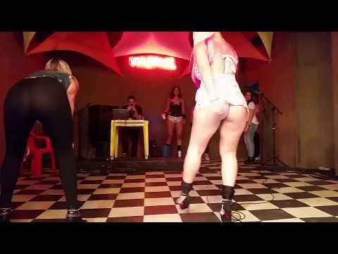 Débora Fantini e mais dançarinas gostosas