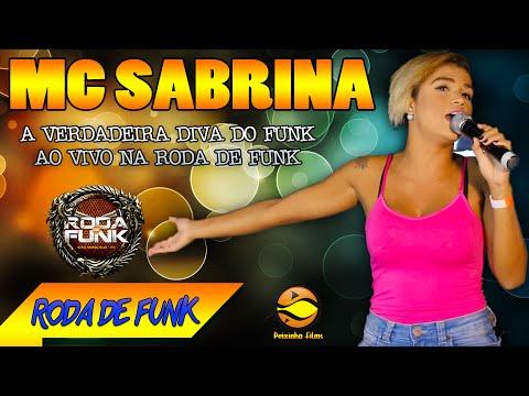 MC Sabrina Em um vídeo emocionante na Roda de Funk Especial ao vivo