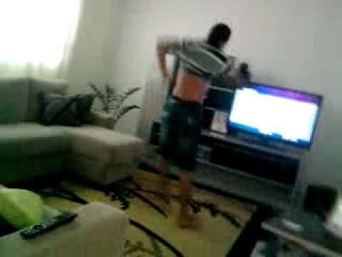 Guilherme dançarina funkeira