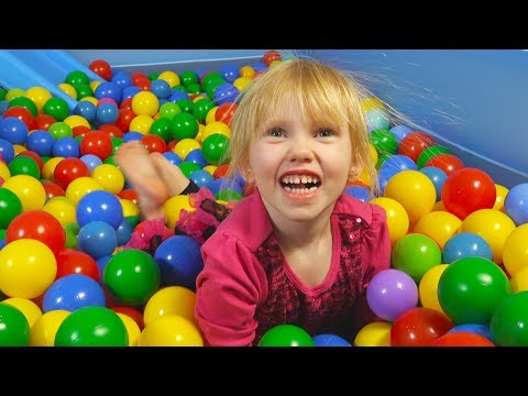 Ball Pit Show for Learning to Count children's educational video