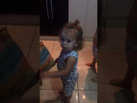 Bebê Funkeira - Mc Fioti Bum Bum Tam Tam