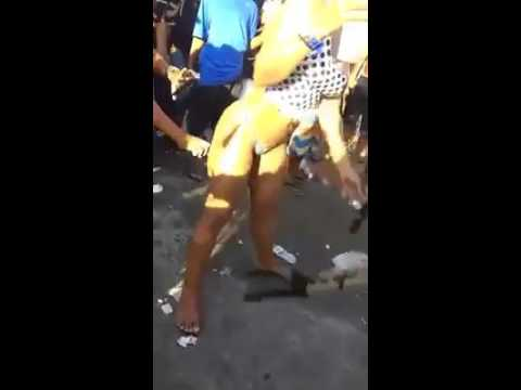 Novinha dançando funk 2016 Na pistora Rio de janeiro