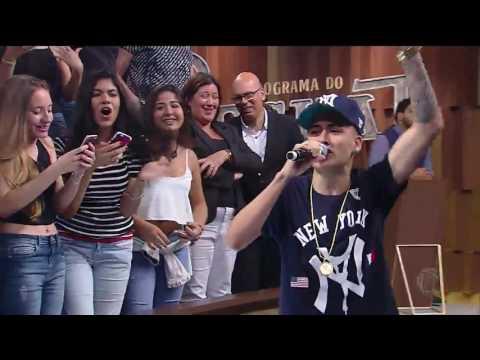 MC Kevinho canta Tumbalatum no Programa do Porchat