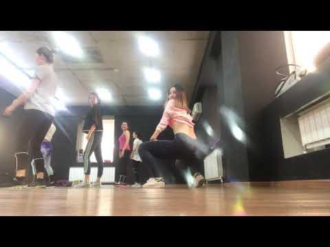 Twerk dance booty