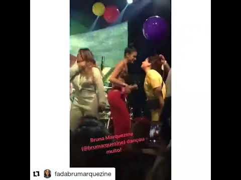 Bruna Marquezine rebola dançando funk