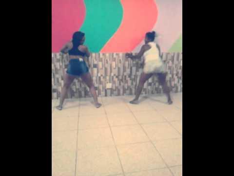 Dançando com a mamãe - Parara Tibum MC Tati Zaqui