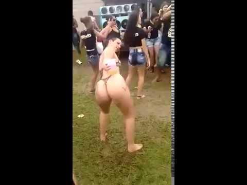 Gostosa bebada dançando Funk