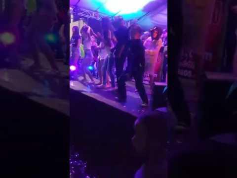 Eu dançando no baile funk