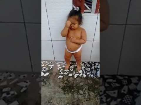 Nova dançarina do Brasil aí para todo mundo ver dançarina mirim