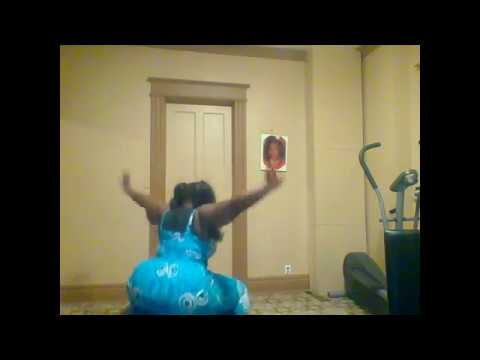 LIVE TWERK SHOW JIGGLING BOOTY ON BALL WORKOUT lsuper chat WITH MY fans gn my loves just chillin
