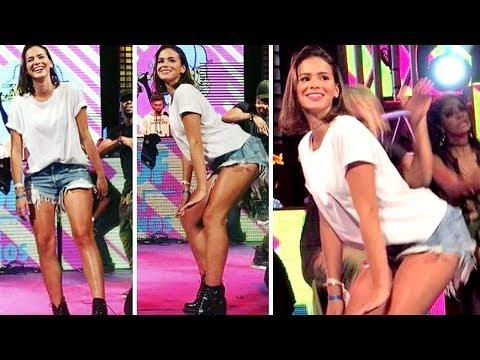 Bruna Marquezine arrasa dançando quadradinho no show da Ludmilla