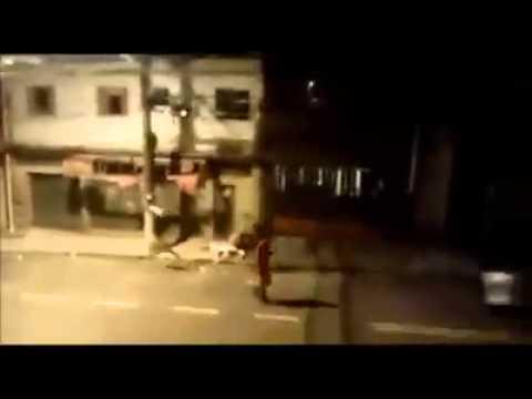 Baile funk com novinha requebrando ate no chão