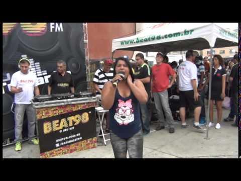 MC Kátia ao vivo no Som do Galerão e Caldeirão BEAT98 nas ruas