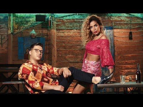 Wesley Safadão e Anitta - Romance Com Safadeza Clipe Oficial
