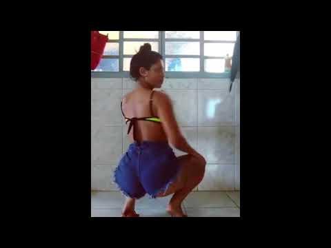 Tamara Dias - Gostosa Dançando Funk de Shortinho Socado 18