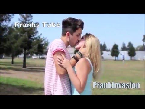 Beijos De Lingua beijando mulheres gatas kissing pranks of 2015 best kissing pranks of 2016 HQ