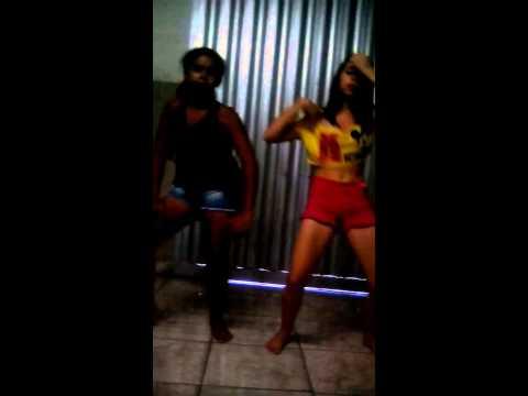 Cauane e Talita dançam parara tibum- Mc Tati Zaqui
