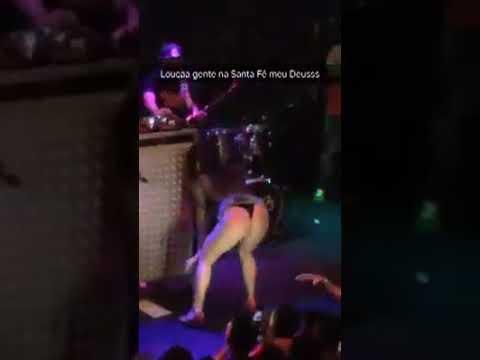 Loirinha safadinha se acabando no Baile Funk
