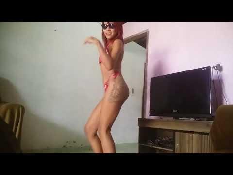 Novinha gostosa dançando muito sensual