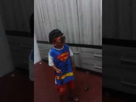 Criança funkeira kkkk