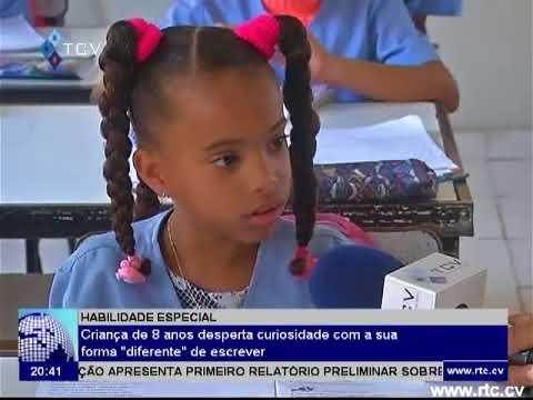 Caboverdiana de 8 anos que escreve de cabeça para baixo