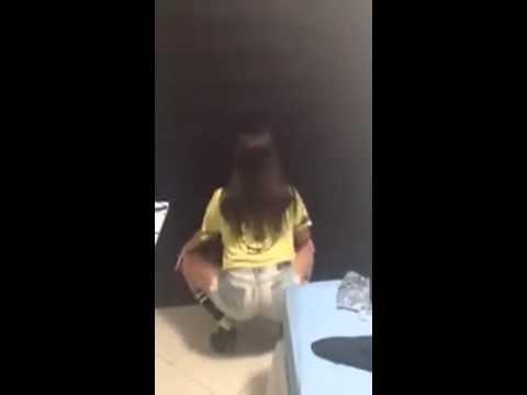 Bruna Marquezine - dançando Parara Tim Bum