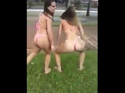 dançando funk so de calcinha TRÊS gostosas