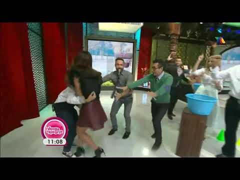 Gostosa mostra a calcinha em tv mexicana
