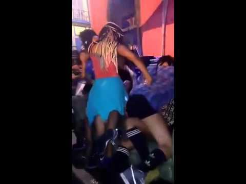 Sete Mulheres se Beijando Festa Trapin