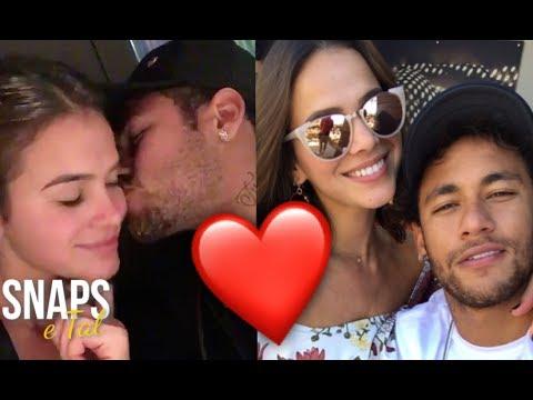 Bruna Marquezine posta beijão em Neymar no dia dos namorados