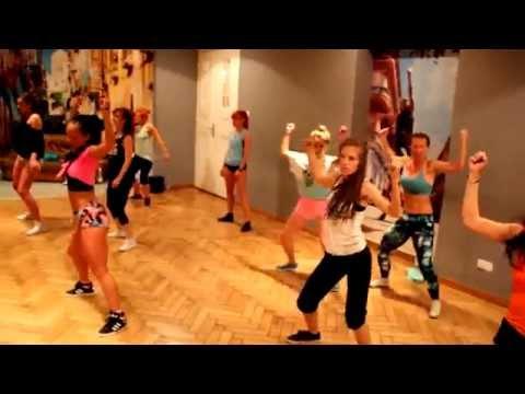 Wine & Twerk - Jennifer Lopez Booty