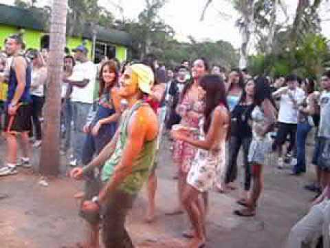 Swing Brazuka dança do CRÉU 2 na Fio Dental